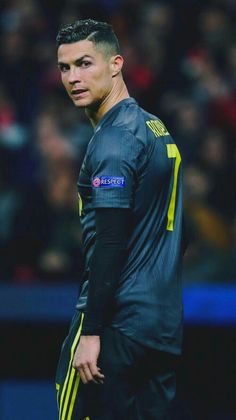 Cristiano Ronaldo Hd Wallpapers, Cristiano Ronaldo Goals, Cristino Ronaldo, Ronaldo Football, Cr7 Vs Messi, Neymar, Football Players Images, Soccer Players, Cr7 Jr