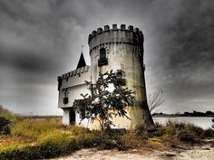 Entering This Hidden New Orleans Castle Will Make You Feel Like You're In A…