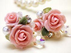 rose earrings...