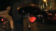 Bike Balls: Fröhlich baumelnde Fahrrad-LEDs | KlonBlog