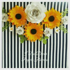 Sunflower and rose paper flower backdrop.Large paper flower wall decor for nursery von b - Fun Ideas and Suggestions Large Paper Flowers, Paper Flower Wall, Paper Flower Backdrop, Flower Wall Decor, Sun Flowers, Paper Sunflowers, Sunflower Party, Sunflower Nursery, Fall Birthday