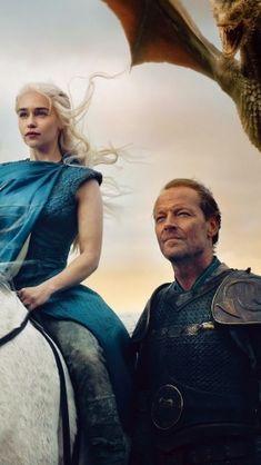 Emilia Clarke as Daenerys Targaryen and Iain Glen as Jorah Mormont in Game of Thrones (HBO Game Of Thrones Live, Game Of Thrones Facts, Game Of Thrones Quotes, Game Of Thrones Funny, Country Wedding Games, How To Bayalage Hair, Khaleesi Hair, Iain Glen, Game Of Throne Daenerys