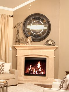 Do you LOVE the decor used to accent this @lennardallas fireplace?