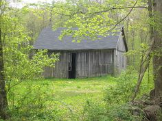 Old barn in Killingworth, Connecticut before it was renovated.