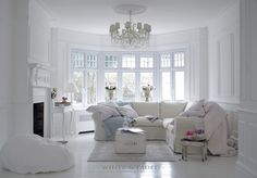 White living room - Relaxed elegance