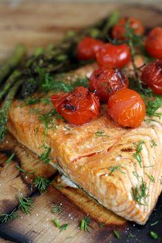 Kaikki äitini reseptit: Nyt grillataan lankkulohi! Fish Dishes, Paella, Food And Drink