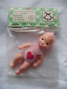 Panenka iGRA v původním balení - fotoalba uživatelů - Dáma.cz Vintage Dolls, Retro Vintage, Tiny Dolls, Retro Toys, Doll Furniture, Toy Store, Doll Toys, Childhood Memories, Christmas Ornaments