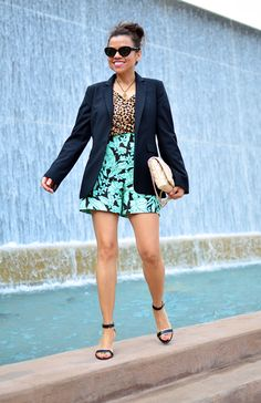 Leopard and Tropical Prints Wild Fashion, Tropical Prints, Small Wardrobe, Mixed Prints, Wild Style, Street Style, Blazer, Jackets, Inspiration