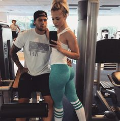 Cute Couple Poses for Adorable Pics with Your Main Squeeze . Fitness Goals, Fitness Tips, Yoga Fitness, Tammy Hembrow, Gym Couple, Fit Couples, Fitness Couples, Happy Couples, Lose Weight