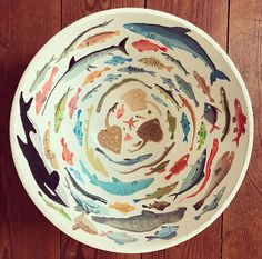 I made a fish bowl 🐡 – – Handwerk und Basteln Ceramic Painting, Ceramic Art, Painted Ceramics, Gouache Painting, Pottery Painting Ideas, Artist Painting, White Ceramics, Ceramic Bowls, Ceramic Pottery