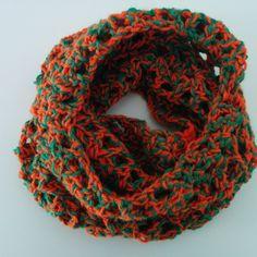 Χειροποίητος πλεκτός γιακάς πορτοκαλί με πράσινο Fashion, Moda, Fashion Styles, Fashion Illustrations