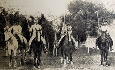 Polo came to Argentina in 1875 brought by English immigrants. How it all started! Kings Game, Sport Of Kings, Places To Visit, Asia, Old Things, Bring It On, Polo, America, History