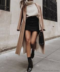 30 Sublime Fall Outfits That Make You Look Cool - PinZones Simple Fall Outfits, Cute Casual Outfits, Winter Fashion Outfits, Fall Winter Outfits, Look Fashion, Stylish Outfits, Autumn Winter Fashion, Autumn Style Women, Skirt Outfits For Winter