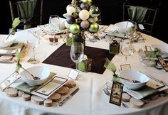Cool Finds: Front and Centerpiece {holiday table centerpiece ideas}