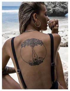 Tiny Tattoos For Girls, Girl Back Tattoos, Sun Tattoos, Back Tattoo Women, Small Tattoos, Tattoos For Women, Nature Tattoo Sleeve Women, Piercings, Erde Tattoo