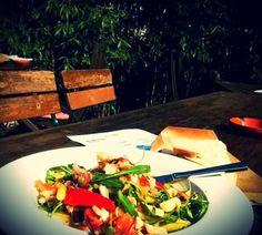 ‼️ Hallo Mädels und Frauen ‼️ Wenn ein Mann für Euch kocht und der Salat mehr als 3 Zutaten enthält, dann meint er es definitiv ernst 😍💑😍 Für alle anderen Fälle gibt es lecker Speis im Z Restaurant Offenburg💜💤 Wünschen Euch schon jetzt ein wunderschönes Wochenende…