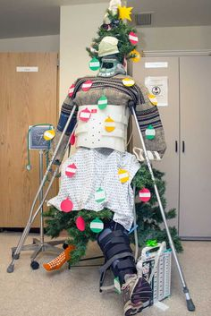 hospital-christmas-decorations-91__605