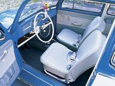 Rocking the 1963 VW Beetle interior. Volkswagen Karmann Ghia, Volkswagen Beetle Interior, Volkswagen Beetle Vintage, Auto Volkswagen, Vw Super Beetle, Beetle Bug, Vw Variant, Kdf Wagen, Charger Rt
