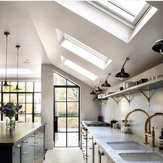 The Little Known Secrets To Trendy Kitchen Design Ideas For Your Home This Year 00029 - homeexalt Remodeling Mobile Homes, Home Remodeling, Cheap Mobile Homes, Kitchen Ceiling Lights, Ceiling Lighting, Parking Design, Bespoke Kitchens, Home Decor Paintings, Victorian Homes