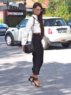 Fashion week Stockholm - Street Style http://www.indiedays.com/item/toimitus/normcorea-vai-bling-blingia