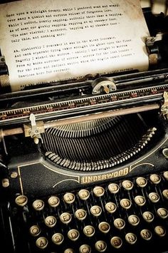 """eclectic-scriptorium: """" Old Underwood typewriter, text of Edgar Allan Poe's """"The Raven"""" being typed out… What more do you want? """" enchantedengland: I am in love with this typewriter. And on an entirely unrelated note, I have discovered my entire life. Vintage Design, Vintage Love, Retro Vintage, Underwood Typewriter, Quoth The Raven, Ex Machina, Vintage Typewriters, Vintage Films, Belle Photo"""