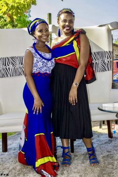 Bontle Bride is a wedding magazine with a flavour of culture. Featuring white and traditional weddings, tips, advice and inspiration./ A Swati Bride For A Perfect Mhlambiso Ceremony African Fashion Designers, African Fashion Dresses, African Outfits, African Wear, African Dress, African Style, South African Weddings, African Traditional Dresses, Ebony Women