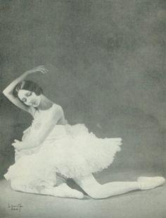 Ольга Спесивцева в партии Одетты в балете «Лебединое озеро» П.И.Чайковского.