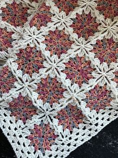 "Crochet Square Pattern ""Flowers in the Snow"" – Free Pattern diagram Crochet Puff Flower, Crochet Flower Patterns, Afghan Crochet Patterns, Crochet Designs, Crochet Flowers, Crochet Ideas, Pattern Flower, Crochet Projects, Granny Square Crochet Pattern"