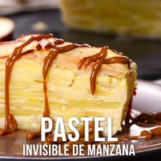 Video of Invisible Apple Pie- Video de Pastel Invisible de Manzana Try this delicious apple pie made with thin slices and a lot of flavor. It has a unique presentation that you will surely love. Surprise everyone with this amazing dessert. Healthy Desserts, Fun Desserts, Delicious Desserts, Sweet Recipes, Cake Recipes, Dessert Recipes, Good Food, Yummy Food, Tasty