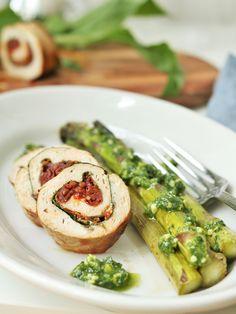 Low Carb: Hähnchen Involtini mit Bärlauch & getrockneten Tomaten