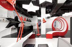 Anglepoise Giant 1227 Pendants and Floor Lamps at Leo Burnett's Moscow office. Commercial Interior Design, Shop Interior Design, Commercial Interiors, Retail Design, Store Design, Display Design, Set Design, Best Office, Leo