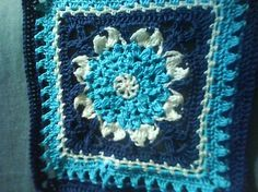 """Day 26: 12"""" Block of the Day - Mum's the Word Square by April Moreland Free Pattern: http://dishclothdiaries.blogspot.com/2009/10/mums-word.html June 2013 #TheCrochetLounge #12""""Square Pick #crochet #grannysquare"""
