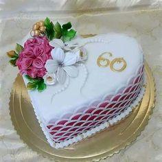 Kharavela Nagar Cake Delivery Shop Best quality cakes and flowers Cake Icing, Fondant Cakes, Cupcake Cakes, Pretty Cakes, Beautiful Cakes, Amazing Cakes, Heart Shaped Cakes, Heart Cakes, Cupcakes Decorados