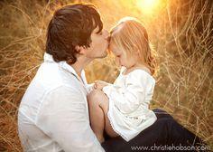 """Seleção de fotos, garimpadas pelo site """"Marte é para os fracos"""" de diferentes tumblrs, demonstram o amor que pais sentem por suas filhas."""