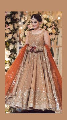 Pakistani Fancy Dresses, Indian Bridesmaid Dresses, Party Wear Indian Dresses, Pakistani Girl, Wedding Dresses For Girls, Pakistani Dress Design, Pakistani Outfits, Pakistani Actress, Pakistani Clothing