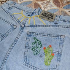 refreshing jeans with fun embroidery stitches #diyjeansembroidery