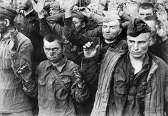 Red Army prisoners of war captured by the Wehrmacht. Military Love, Army Love, Battle Of Iwo Jima, Prisoners Of War, Red Army, History Photos, Ww2 Photos, Photographs, War Machine
