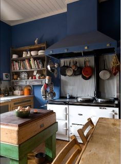 Super Ideas For Farmhouse Style Australian Kitchen Country Style Magazine, Vintage Stoves, Vintage Kitchen, Rustic Kitchen, Dream Decor, Home Decor Furniture, Victorian Homes, Renting A House, Home Renovation