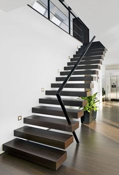 My House Modern staircase as aesthetic element Interior Stair Railing, Stair Decor, Staircase Railings, Wood Stairs, House Stairs, Spiral Staircases, Painted Stairs, Floating Staircase, Modern Staircase