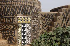 Tiebele pueblo africano pintado