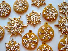Lebkuchen spices make those special German gingerbread cookies and bars taste spectacular. Mix up your own batch for your holiday treats. Christmas Sweets, Christmas Gingerbread, Christmas Cooking, Christmas Goodies, Gingerbread Cookies, Gingerbread Ornaments, Gingerbread Houses, Gingerbread Biscuit Recipe, How To Make Gingerbread