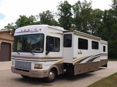 2001 Bounder 36U for sale by owner on RV Registry http://www.rvregistry.com/used-rv/1012146.htm