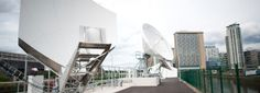 Comprehensive connectivity solutions, including terrestrial fibre circuits, teleport and MCR facilities