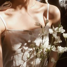 Picnic At Hanging Rock - Style Inspiration by The Freedom State - Eliza Harris - White Aesthetic, Aesthetic Photo, Aesthetic Girl, Aesthetic Pictures, Spring Aesthetic, Rock Style, Paris Film, Picnic At Hanging Rock, Photo Instagram