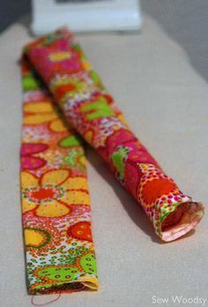 {Tutorial} Make Your Own Cool Tie - Sew Woodsy Sewing Ideas, Sewing Projects, Projects To Try, Homemade Gifts, Diy Gifts, Neck Coolers, Christmas Gifts For Adults, Cool Wraps, Cool Ties