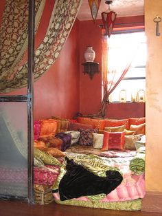 I want a pillow room, Or at least a pillow corner. Queen Size Canopy Bed, Woman Cave, Lady Cave, Zen Room, Bohemian House, Pillow Room, Home Bedroom, Bedroom Ideas, Dream Decor