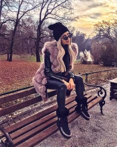 Women S Fashion Queen Street Mall Fur Vest Outfits, Warm Outfits, Mode Outfits, Trendy Outfits, Winter Outfits, Look Fashion, Urban Fashion, Fur Fashion, Womens Fashion