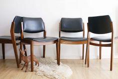 4 vintage stoelen van Topform. Houten retro stoel met zwart skai-leer.