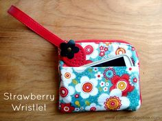Strawberry Handle Clutch Tutorial