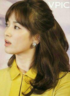 Beauty Song Hye Kyo Short Hair With Bangs, Hairstyles With Bangs, Short Hair Styles, Song Hye Kyo, Song Joong Ki, Korean Girl, Korean Wave, Korean Actresses, Celebs